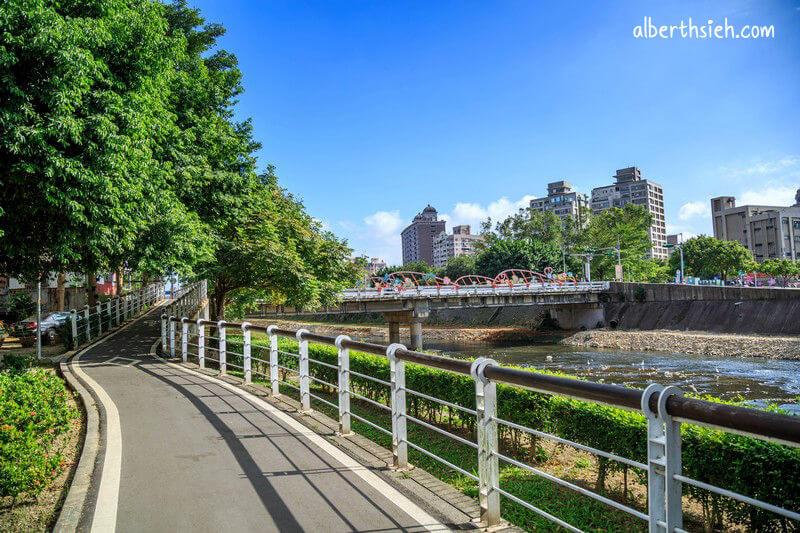 三民運動公園&南崁溪自行車道.桃園景點(心鎖步道還有許多愛心元素的公園)