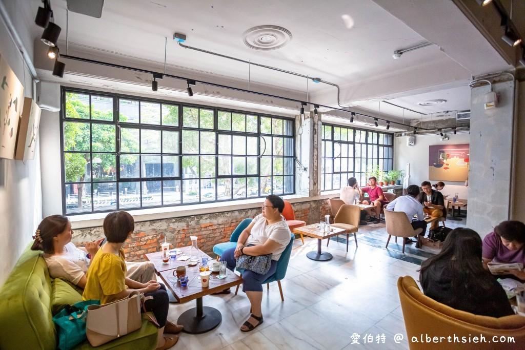 網站近期文章:台北咖啡廳.興波咖啡(旅遊雜誌評比世界最棒咖啡館第一名,世界冠軍吳則霖)