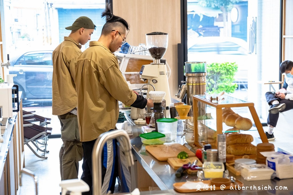 蠢咖啡・桃園龜山咖啡廳