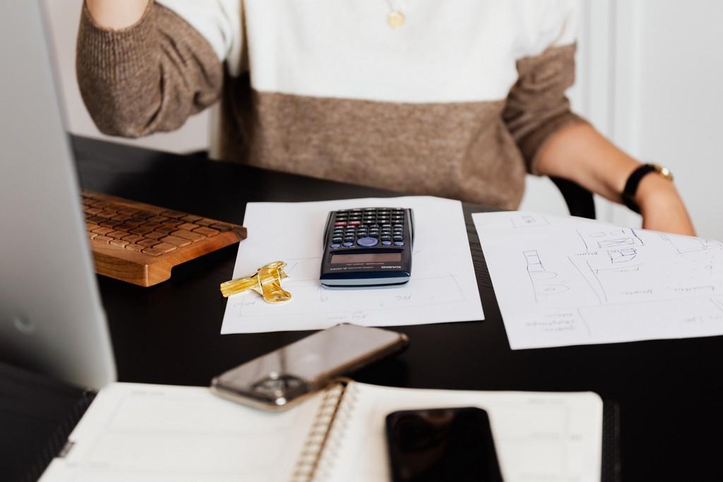 網站近期文章:保單紓困貸款,比勞工紓困貸款更划算!利率只要1.28%,10萬月還息105元