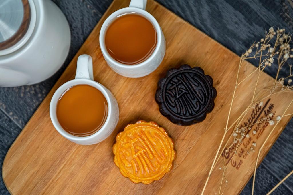 茶翡奢華鑽石流沙月餅