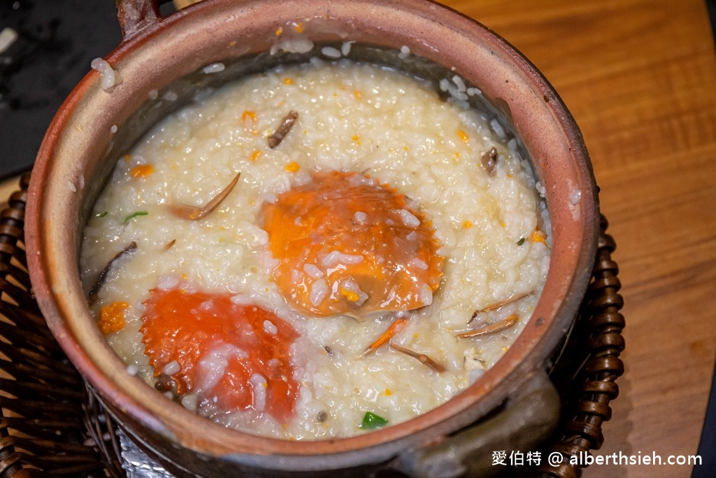 網站近期文章:台中麗寶outlet美食.十二月粥品(砂鍋粥還不錯,但一定要在加點其它食材一起煮會更讚!)