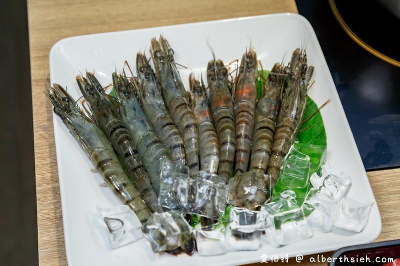 桃園鬥牛士二鍋(超便宜328就可以壽喜燒吃到飽,還有超多種自助吧可以享用)